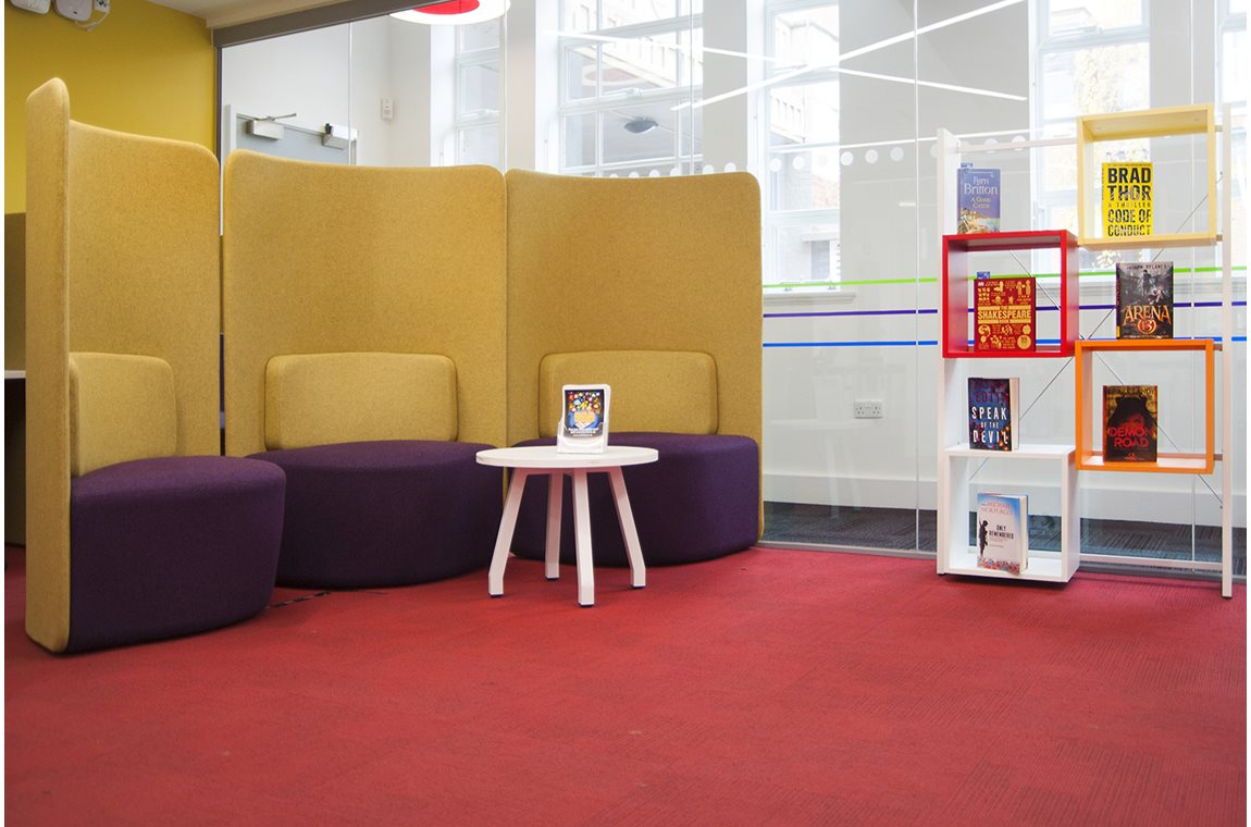 Palmers Green Library, London, United Kingdom - Public libraries