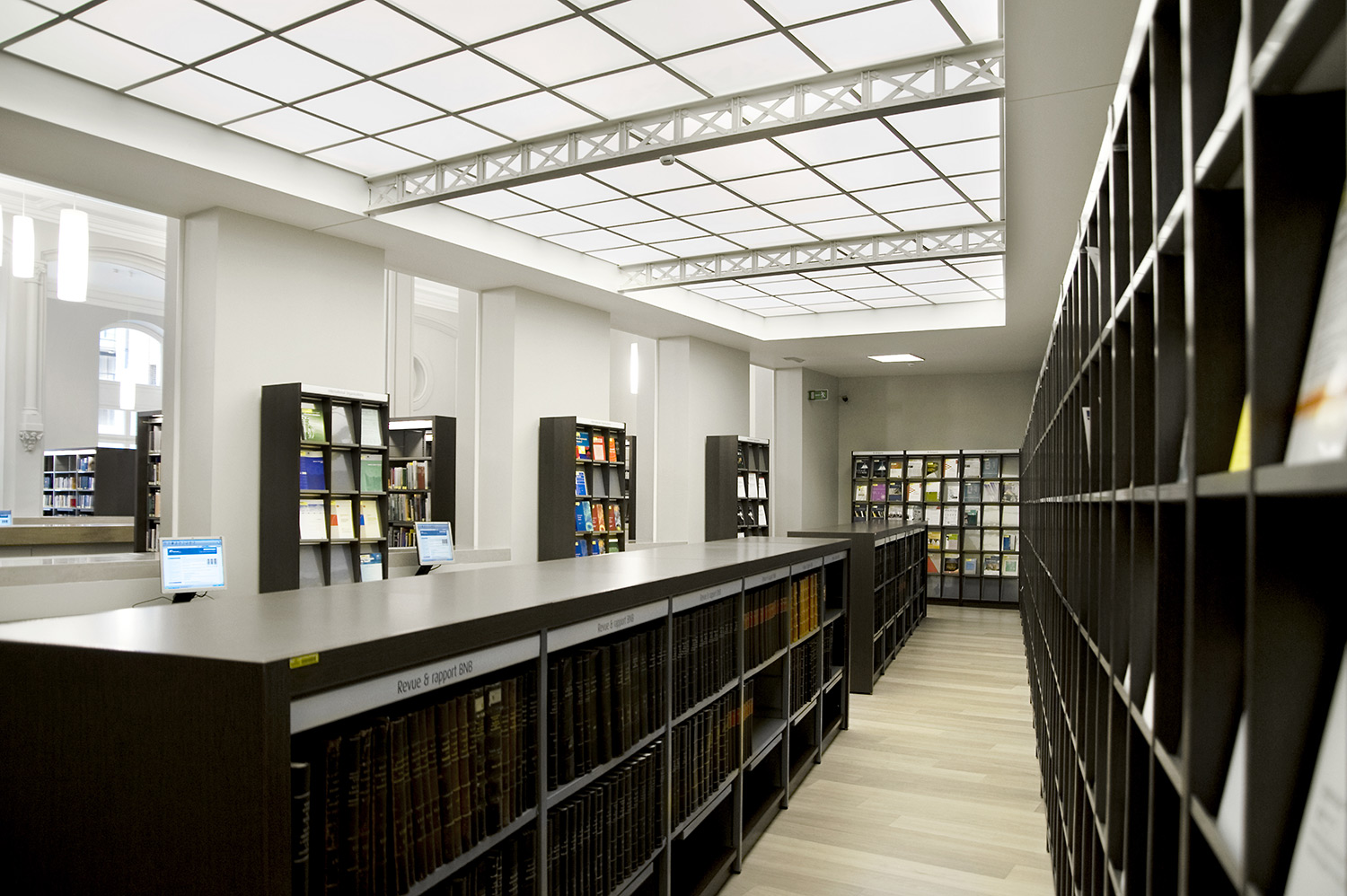 Brussel Nationale Bank, Belgium   Company Libraries